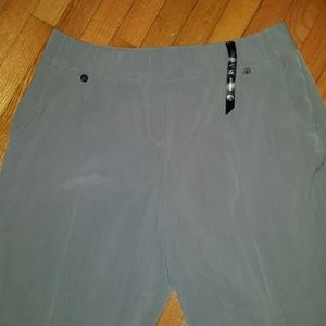 🆕️ Avenue Gray dress pants